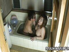 Miina Yoshihara لديها الصعب الضربات مع رجل اريد فيلم سكسي فرنسي